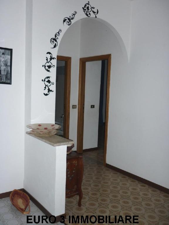 853 SALE CASTEL DI LAMA 1