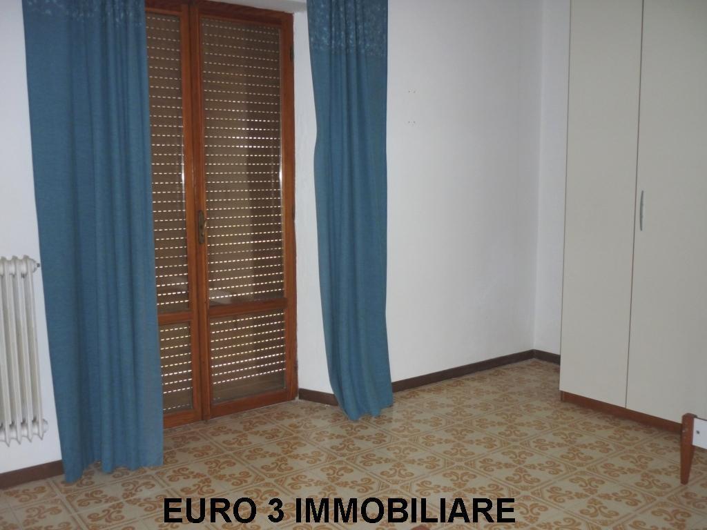 853 SALE CASTEL DI LAMA 2