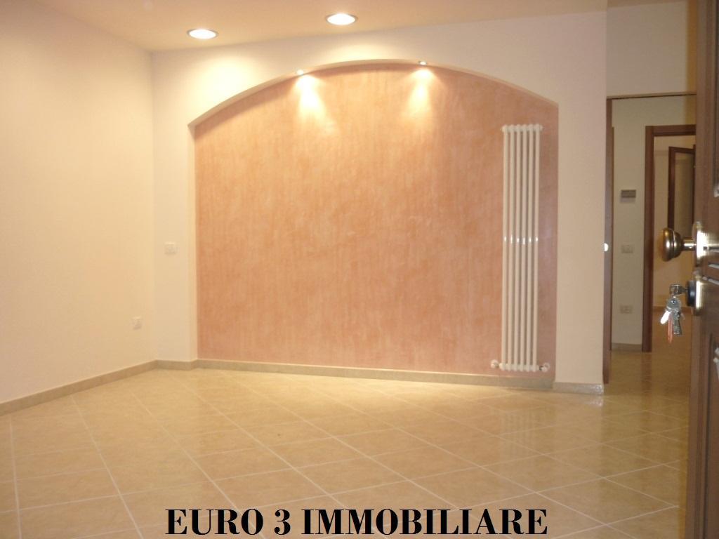 1175 SALE CASTEL DI LAMA 1