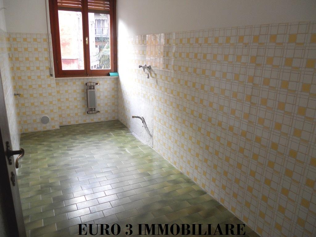 1209 RENT ASCOLI PICENO FIELD PARIGNE4