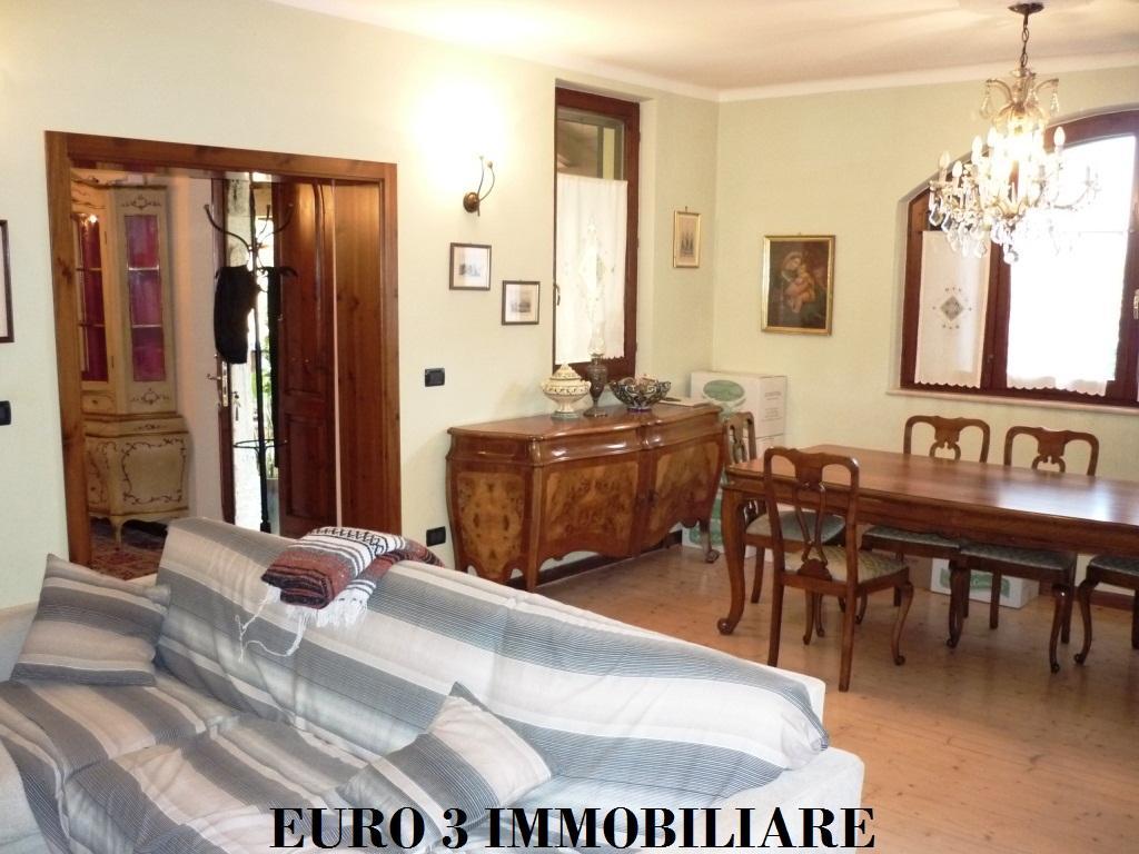 1281 SALE CASTEL DI LAMA 2