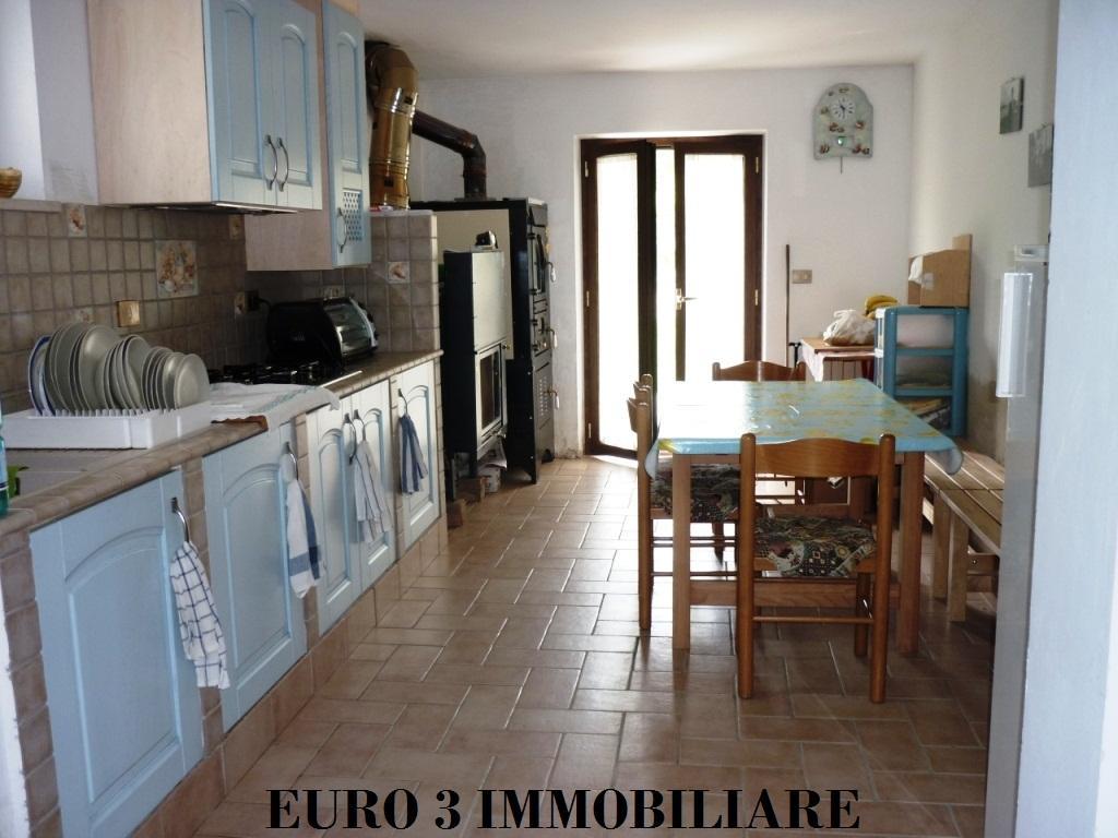 1442 VENDITA VALLE CASTELLANA 1