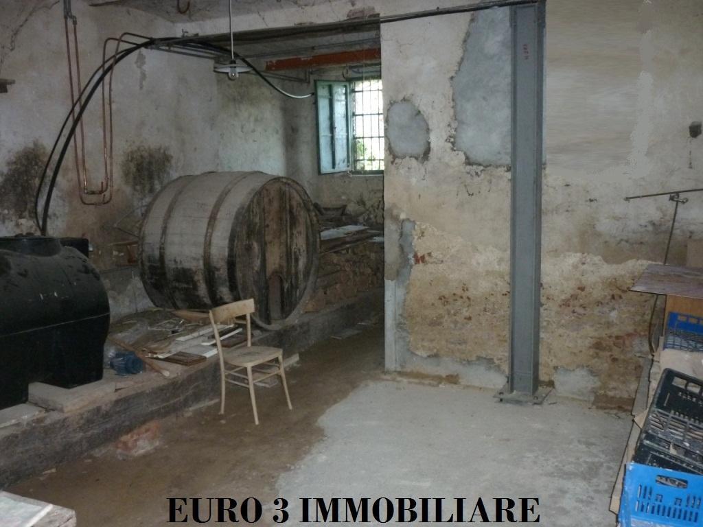 1462 SALE CIVITELLA DEL TRONTO VILLA LEMPA5