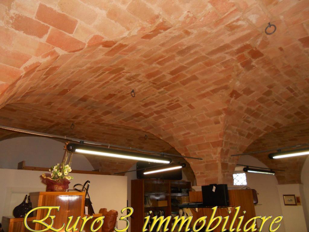 1497 RENT ASCOLI PICENO PORTA CAPPUCCINA5