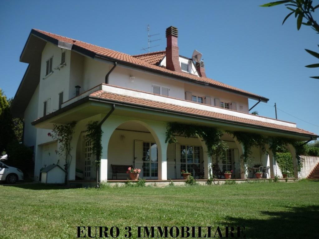 1806 SALE CASTEL DI LAMA 1