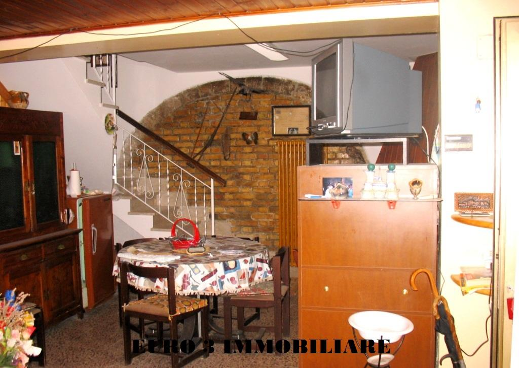 vendita casa indipendente roccafluvione