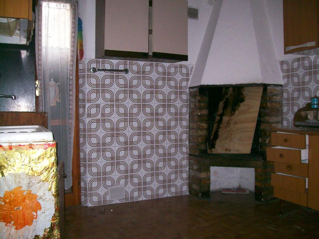 Rustico/Casale/Corte APPIGNANO DEL TRONTO 2001
