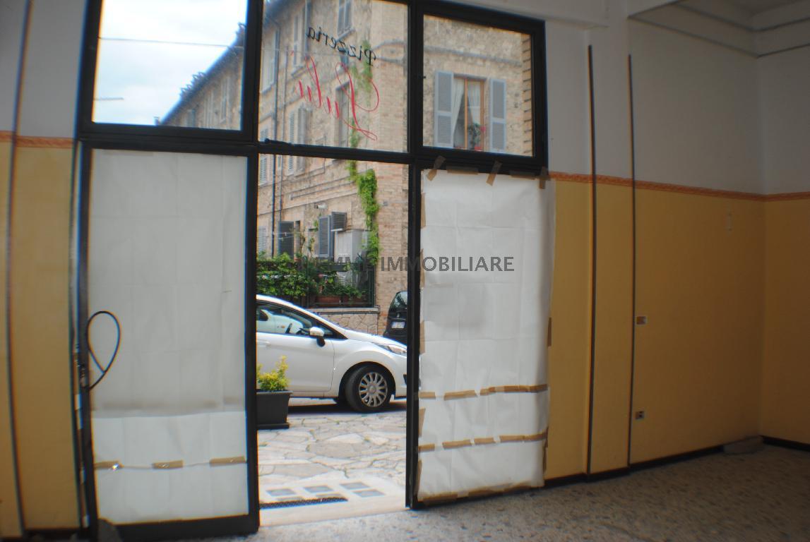 Locale Commerciale in Vendita ASCOLI PICENO