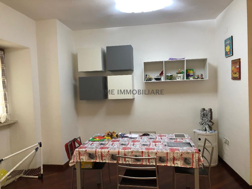 Appartamento ASCOLI PICENO vendita  CENTRO STORICO PIAZZA VENTIDIO BASSO 2 eMMe Immobiliare di Mario Manfroni & C. S.A.S.