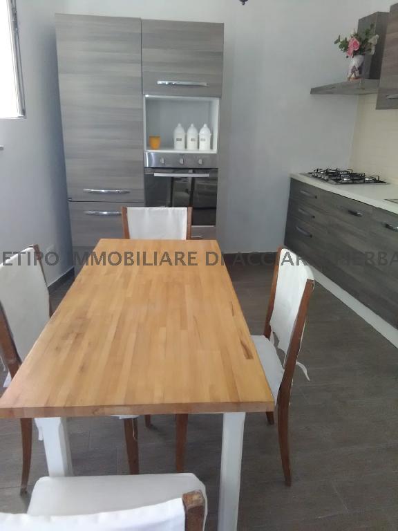 Casa Indipendente CAMPOFILONE LA CASA DI ANGELA/RI