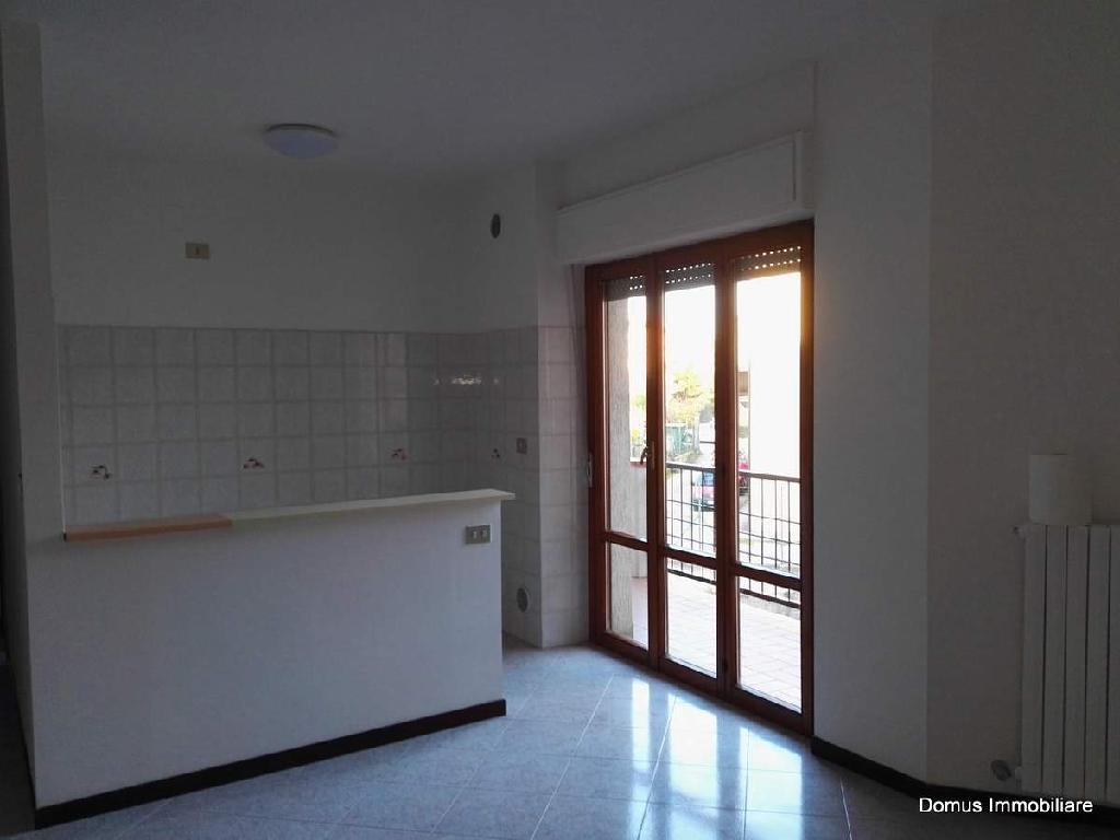 Appartamento in affitto a Castel di Lama, 2 locali, prezzo € 350 | Cambio Casa.it